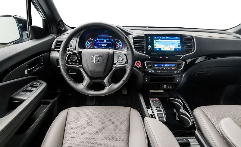 Салон Honda Passport 2019