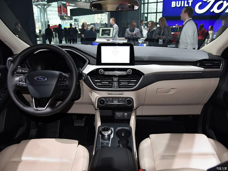 Салон Ford Escape 2019